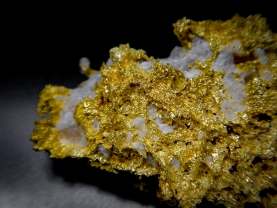 Gold from GG Prospect, Tuolumne County, California, USA [db_pics/update4/ML00164c.jpg]