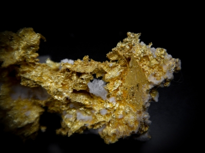 Gold from GG Prospect, Tuolumne County, California, USA [db_pics/update4/ML00165c.jpg]