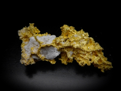 Gold from GG Prospect, Tuolumne County, California, USA [db_pics/update4/ML00165d.jpg]